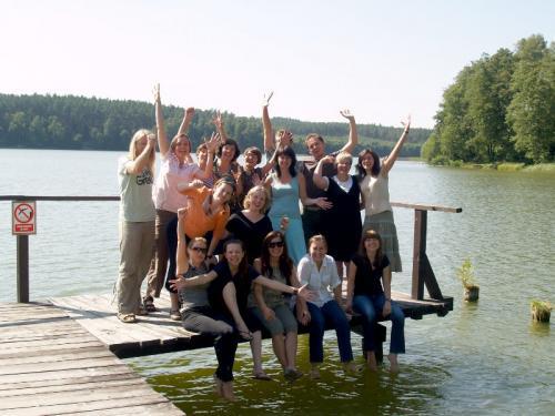 Uczestniczki i uczestnicy Kursu Dramy VIII.2009