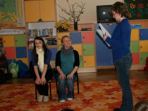 Milena i Eliza w klasie